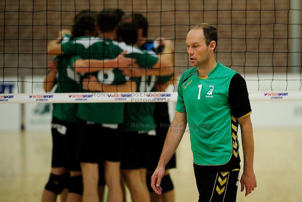 27-10-2012 VOLLEYBAL: VV ALTERNO - E DIFFERENCE SSS: APELDOORN<br /> Eerste divisie A mannen - Alterno wint met 4-0 van SSS / Roy Vleeming<br /> &copy;2012-FotoHoogendoorn.nl