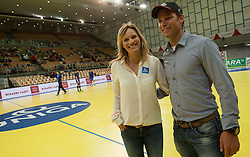 10.06.2015, Olympiahalle, Innsbruck, AUT, EHF Euro Qualifikation, Gruppe 7, Österreich vs Spanien, im Bild Marlies (l) und Benjamin (r) Raich als Zuseher// during the EHF Euro Qualifikation group 7 match between Austria and Spain at Olympiahalle, Innsbruck, Austria on 2015/06/10. EXPA Pictures © 2015, PhotoCredit: EXPA/ Jakob Gruber