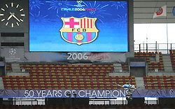 PARIS, FRANCE - TUESDAY, MAY 16th, 2006: The overhead Cineflex Hi-Definition camera is put through it's paces in readiness for the European Cup final as it films FC Barcelona's training session ahead of the UEFA Champions League Final against Arsenal at the Stade de France. (Pic by David Rawcliffe/Propaganda)