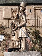 Biedermeier Figuren, Eltville am Rhein, Rheingau, Hessen, Deutschland.|.Biedermeier figures, Eltville am Rhein, Rheingau, Hessen Germany