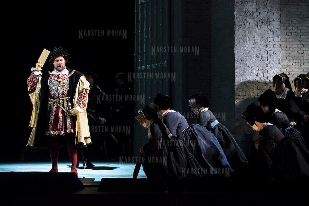 September 23, 2015 - New York, NY : Ildar Abdrazakov, left, performs as Henry (Enrico) VIII in a dress rehearsal for Gaetano Donizetti's 'Anne Bolena' at the Metropolitan Opera at Lincoln Center on Wednesday. CREDIT: Karsten Moran for The New York Times
