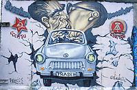 Berlin wall,  East side gallery, Berlin, Germany // Allemagne, Berlin, peinture sur le mur, gallerie de l'Est