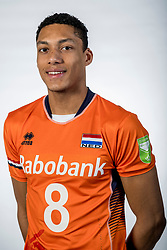 10-05-2017 NED: Selectie Nederlands volleybal team mannen 2017, Arnhem<br /> Op Papendal werd de selectie gepresenteerd / Fabian Plak #8