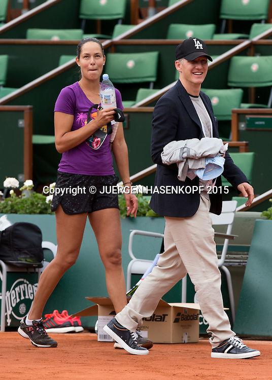 Ana Ivanovic Freund Bastian Schweinsteiger als Zuschauer beim Training auf dem Centre Court von Roland Garros,<br /> <br /> Tennis - French Open 2015 - Grand Slam ITF / ATP / WTA -  Roland Garros - Paris -  - France  - 2 June 2015.
