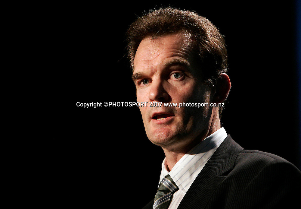 National Bank Retail Managing Director Craig Sims speaks during the NZ Cricket Awards at Langham Hotel, Auckland, New Zealand on Wednesday 16 May 2007. Photo: Hagen Hopkins/PHOTOSPORT<br /><br /><br /><br />160507