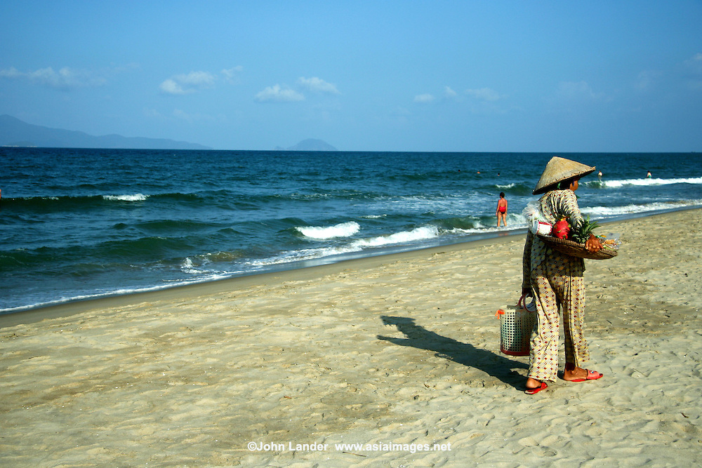 As if the UNESCO sites in Hoi An and My Son Ruins weren't enough Cua Dai Beach one long, clean beach that continues all the way up to Danang. an incredible 30km of pristine white sands. Fresh seafood and refreshments are at kiosks on the beachfront.
