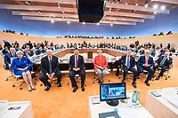 07 JUL 2017, HAMBURG/GERMANY:<br /> Recep Tayyip Erdogan, Praesident Tuerkei, Theresa May, Premierministerin Gross Britannien, Donald Trump, Praesident Vereingte Staaten von Amerika, USA, Xi Jinping, Praesident Volksrepublik China, Angela Merkel, CDU, Bundeskanzlerin, Mauricio Macri, Praesident Argentinien, Malcolm Turnbull, Premierminister Australien, Michel Temer, Praesident Brasilien, (vorne v.L.n.R.), vor Beginn der 1. Arbeitssitzung, G20 Gipfel, Messe<br /> IMAGE: 20170707-01-010<br /> KEYWORDS: G20 Summit, Deutschland, Gespr&auml;ch