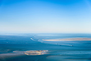Nederland, Friesland, Terschelling (Skylge), 07-05-2018; West-Terschelling, Schuitengat en Vliestroom, zeegat tussen Vlieland en Terschelling<br /> Estuary between the Wadden Isles Vlieland en Terschelling.<br /> <br /> luchtfoto (toeslag op standaard tarieven);<br /> aerial photo (additional fee required);<br /> copyright foto/photo Siebe Swart