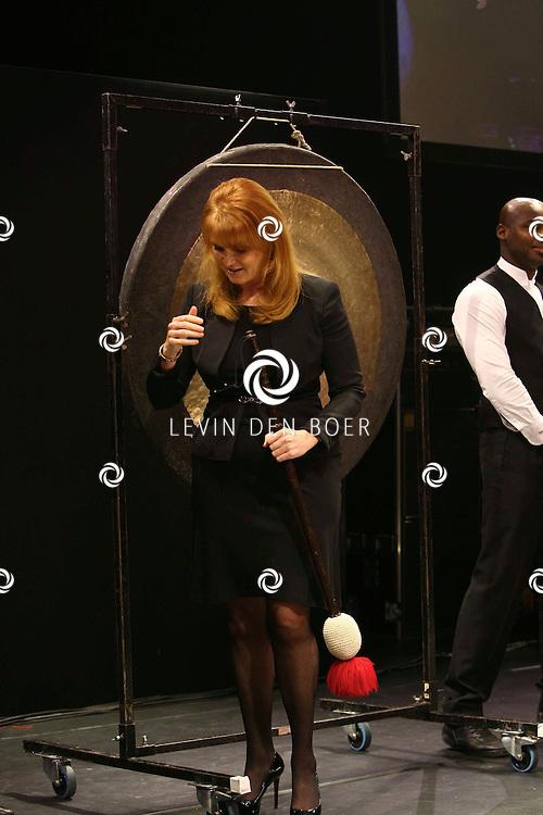 AMSTERDAM - In de Rai is de Miljonair Fair van start gegaan.  Met op de foto Hertogin van York Sarah Margaret Ferguson die de officiele handeling mocht doen voor de opening. FOTO LEVIN DEN BOER - PERSFOTO.NU
