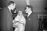 Internationally famous model Twiggy (Leslie Hornby) enjoys a cup of tea with Mr. John Doody, (left) Manager of Arnotts, Henry Street, and Mr. Vivian Dudgeon, Manager of Arnotts, Grafton Street, prior to the Arnotts Fashion Show..12.10.1966