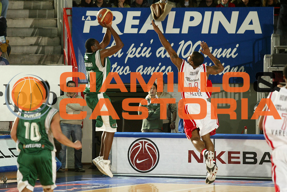 DESCRIZIONE : Varese Lega A1 2005-06 Whirlpool Pallacanestro Varese Air Avellino<br /> GIOCATORE : Mutombo <br /> SQUADRA : Air Avellino<br /> EVENTO : Campionato Lega A1 2005-2006 <br /> GARA : Whirlpool Pallacanestro Varese Air Avellino <br /> DATA : 29/01/2006 <br /> CATEGORIA : Tiro <br /> SPORT : Pallacanestro <br /> AUTORE : Agenzia Ciamillo-Castoria/G.Cottini