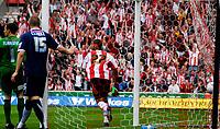 Photo: Alan Crowhurst.<br />Southampton v Southend United. Coca Cola Championship. 06/05/2007. Saints' Leon Best scores 2-1.