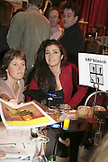 Mimi Spencer, THE RAPT QUIZ, 13 November  2006, Hammersmith Town Hall. ONE TIME USE ONLY - DO NOT ARCHIVE  © Copyright Photograph by Dafydd Jones 66 Stockwell Park Rd. London SW9 0DA Tel 020 7733 0108 www.dafjones.com