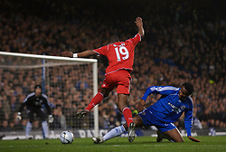 LONDON, ENGLAND - Wednesday, December 19, 2007: Liverpool's Ryan Babel and Chelsea's Mikel John Obi during the League Cup Quarter Final match at Stamford Bridge. (Photo by David Rawcliffe/Propaganda)