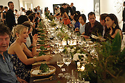 THE DINNER, Korean Eye Dinner  hosted by The Dowager Viscountess Rothermere and Simon De Pury.Sponsored by CJ, Korean Food Globalization Team, Hino Consulting and Visit Korea Committee. Phillips de Pury Space, Saatchi Gallery.  Sloane Sq. London. 2 July 2009.