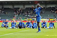 ADO Den Haag - Roda JC , 15-07-2010 , 1-3 , Spelers van Roda vieren de overwinning met hun suporters , Pa Kah voert ze aan