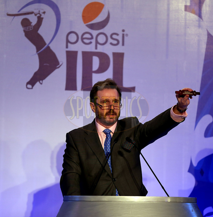 Richard Madley the Auctionier during day 01 of the Pepsi IPL Player Auction held at the ITC Gardenia in Bengaluru, India on the 12th February 2014<br /> <br /> Photo by Sandeep Shetty/BCCI/SPORTZPICS