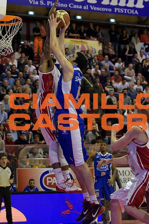 DESCRIZIONE : Campionato 2014/15 Giorgio Tesi Group Pistoia - Acqua Vitasnella Cant&ugrave;<br /> GIOCATORE : Gilbert Brown<br /> CATEGORIA : stoppata sequenza<br /> SQUADRA : Giorgio Tesi Group Pistoia<br /> EVENTO : LegaBasket Serie A Beko 2014/2015<br /> GARA : Giorgio Tesi Group Pistoia - Acqua Vitasnella Cant&ugrave;<br /> DATA : 30/03/2015<br /> SPORT : Pallacanestro <br /> AUTORE : Agenzia Ciamillo-Castoria/GiulioCiamillo<br /> Galleria : LegaBasket Serie A Beko 2014/2015<br /> Fotonotizia : Campionato 2014/15 Giorgio Tesi Group Pistoia - Acqua Vitasnella Cant&ugrave;<br /> Predefinita :