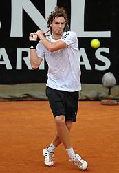 27.04.2010, Foro Italico, Rom, ITA, ATP Masters Turnier Rom im Bild  Ernest Gulbis (LAT).., EXPA Pictures © 2010, PhotoCredit: EXPA/ InsideFoto/ A. Baldassarre / SPORTIDA PHOTO AGENCY