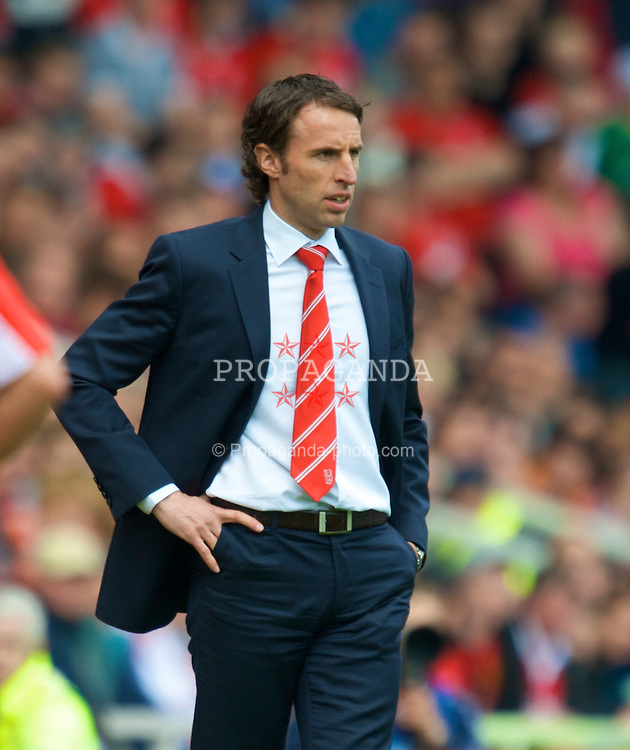 MIDDLESBROUGH, ENGLAND - Saturday, May 2, 2009: Middlesbrough's manager Gareth Southgate during the Premiership match at the Riverside Stadium. (Pic by David Rawcliffe/Propaganda)