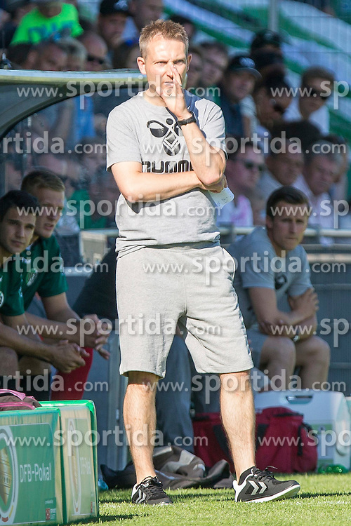 09.08.2015, Stadion Lohmühle, Luebeck, GER, DFB Pokal, VfB Luebeck vs SC Paderborn 07, 1. Runde, im Bild Luebecks Trainer Denny Skwierczynski // during German DFB Pokal first round match between VfB Luebeck vs SC Paderborn 07 at the Stadion Lohmühle in Luebeck, Germany on 2015/08/09. EXPA Pictures © 2015, PhotoCredit: EXPA/ Eibner-Pressefoto/ KOENIG<br /> <br /> *****ATTENTION - OUT of GER*****