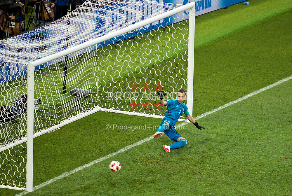 MOSCOW, RUSSIA - Sunday, July 1, 2018: Russia's goalkeeper Igor Akinfeev looks on as he concedes the second penalty of the shoot-out against Spain during the FIFA World Cup Russia 2018 Round of 16 match between Spain and Russia at the Luzhniki Stadium. Russia won 4-3 on penalties after a 1-1 draw. (Pic by David Rawcliffe/Propaganda)
