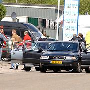 NLD/Huizen/20050510 - Aanhouding van 2 vuurwapengevaarlijke verdachten door leden van de Groep Bijzondere Opdrachten, GBO, politie Gooi & Vechtstreek, later bleek dit een oefening te zijn