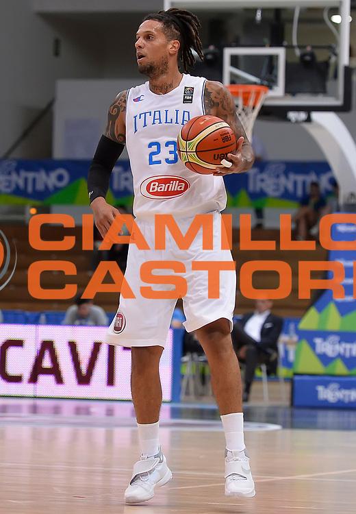 DESCRIZIONE : Trento Nazionale Italia Uomini Trentino Basket Cup Italia Repubblica Ceca Italy Czech Republic<br /> GIOCATORE : Daniel Lorenzo Hackett<br /> CATEGORIA : palleggio<br /> SQUADRA : Italia Italy<br /> EVENTO : Trentino Basket Cup<br /> GARA : Trentino Basket Cup Italia Repubblica Ceca Italy Czech Republic<br /> DATA : 17/06/2016<br /> SPORT : Pallacanestro<br /> AUTORE : Agenzia Ciamillo-Castoria/R.Morgano<br /> Galleria : FIP Nazionali 2016<br /> Fotonotizia : Trento Nazionale Italia Uomini Trentino Basket Cup Italia Repubblica Ceca Italy Czech Republic