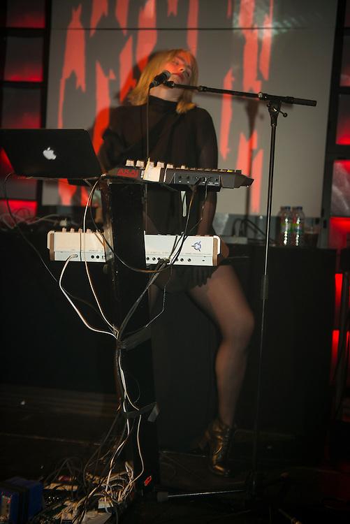 EMIKA (UK), Nocturne 4 : 1 juin 2013, Scène Red Bull Music Academy [SAT] Société des arts technologiques.