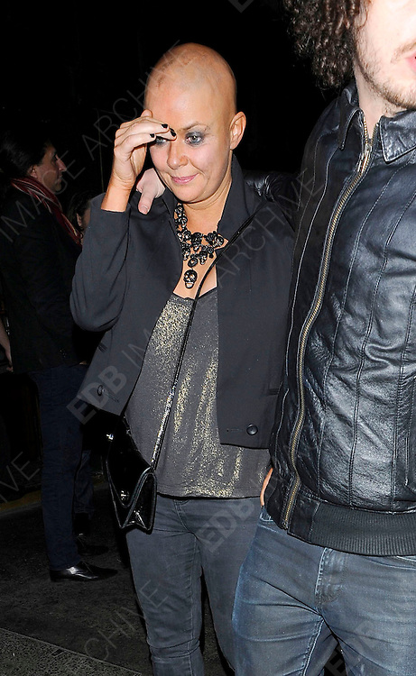09.FEBRUARY.2011. LONDON<br /> <br /> GAIL PORTER WITH HER BOYFRIEND JONNY DAVIES OUT AND ABOUT IN CENTRAL LONDON<br /> <br /> BYLINE: EDBIMAGEARCHIVE.COM<br /> <br /> *THIS IMAGE IS STRICTLY FOR UK NEWSPAPERS AND MAGAZINES ONLY*<br /> *FOR WORLD WIDE SALES AND WEB USE PLEASE CONTACT EDBIMAGEARCHIVE - 0208 954 5968*