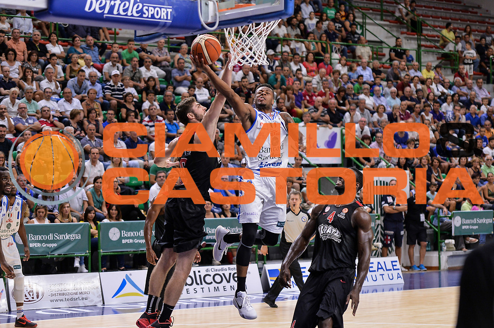 DESCRIZIONE : Trofeo Meridiana Dinamo Banco di Sardegna Sassari - Olimpiacos Piraeus Pireo<br /> GIOCATORE : MarQuez Haynes<br /> CATEGORIA : Tiro Penetrazione Sottomano<br /> SQUADRA : Dinamo Banco di Sardegna Sassari<br /> EVENTO : Trofeo Meridiana <br /> GARA : Dinamo Banco di Sardegna Sassari - Olimpiacos Piraeus Pireo Trofeo Meridiana<br /> DATA : 16/09/2015<br /> SPORT : Pallacanestro <br /> AUTORE : Agenzia Ciamillo-Castoria/L.Canu