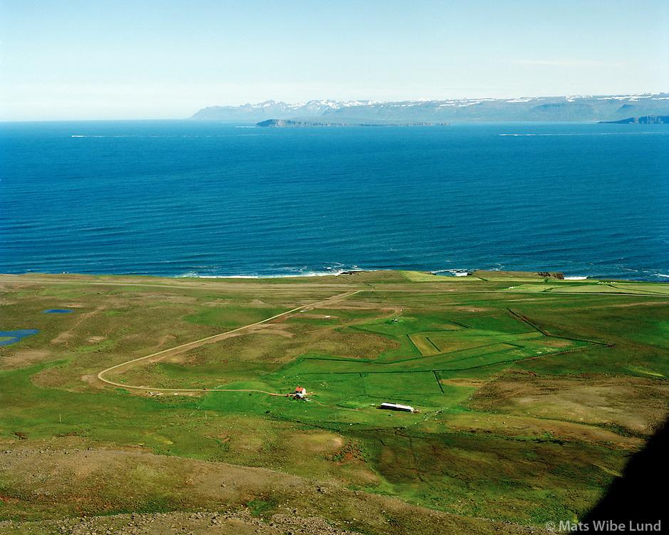 Hóll séð til norðausturs, Skefilsstaðahreppur / Holl viewing northeast, Skefilsstadahreppur