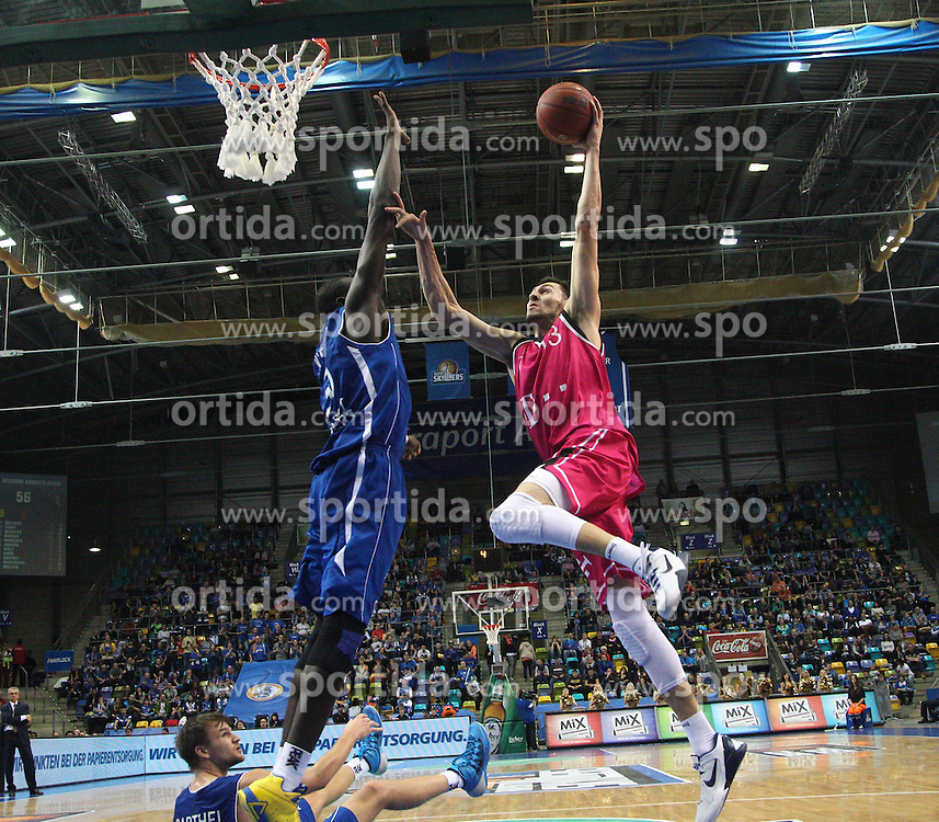 09.11.2013, Fraport Arena, Frankfurrt, GER, Beko Basketball BL, Fraport Skyliners vs Telekom Baskets Bonn, 8. Runde, im Bild Tony Gaffney (Telekom Baskets Bonn) beim Zug zum Korb gegen Aziz N&yen;Diaye (Fraport Skyliners), Action / Aktion // during the Beko Basketball Bundes league 8. round match between Fraport Skyliners and Telekom Baskets Bonn at the Fraport Arena in Frankfurrt, Germany on 2013/11/10. EXPA Pictures &copy; 2013, PhotoCredit: EXPA/ Eibner-Pressefoto/ Bermel<br /> <br /> *****ATTENTION - OUT of GER*****