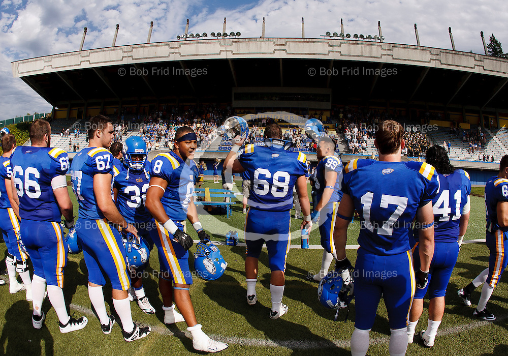24 September 2011:  Action during a Men's Football game between the University of British Columbia Thunderbirds and the University of Manitoba Bisons at Thunderbird Stadium, University of British Columbia, Vancouver, BC, Canada.  Final Score:  UBC    Uof M   ****(Photo by Bob Frid/UBC Athletics) 2011 All Rights Reserved****