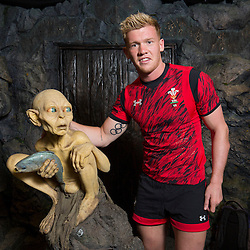 Wales captain Sam Cross poses with Lord of the Rings character Gollum during the Wellington Sevens captains' photo opportunity at Weta Workshop in Wellington, New Zealand on Thursday, 26 January 2017. Photo: Hagen Hopkins / lintottphoto.co.nz