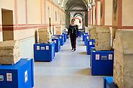 Roma 27 Giugno 2013<br /> Recuperate dai Carabinieri del comando per la Tutela del patrimonio culturale, nella zona di Perugia , ventitre urne etrusche , integre, tutte di età ellenistica (III-II secolo a.C) ed oltre tremila reperti archeologici di grande valore storico artistico. Denunciate cinque persone  per ricerche illecite, impossessamento e ricettazione di beni culturali. E' consierato il più importante recupero di arte etrusca.