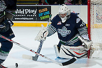 KELOWNA, CANADA -FEBRUARY 10: Taran Kozun #35 of the Seattle Thunderbirds defends the net against the Kelowna Rockets on February 10, 2014 at Prospera Place in Kelowna, British Columbia, Canada.   (Photo by Marissa Baecker/Getty Images)  *** Local Caption *** Taran Kozun;