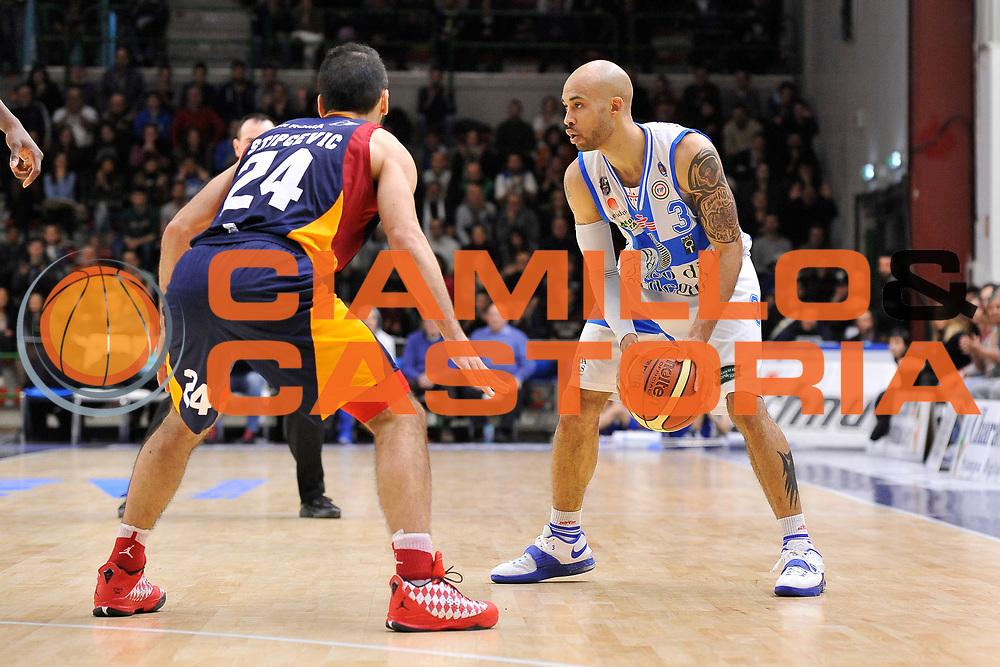 DESCRIZIONE : Campionato 2014/15 Dinamo Banco di Sardegna Sassari - Virtus Acea Roma<br /> GIOCATORE : David Logan<br /> CATEGORIA : Palleggio<br /> SQUADRA : Dinamo Banco di Sardegna Sassari<br /> EVENTO : LegaBasket Serie A Beko 2014/2015<br /> GARA : Dinamo Banco di Sardegna Sassari - Virtus Acea Roma<br /> DATA : 15/02/2015<br /> SPORT : Pallacanestro <br /> AUTORE : Agenzia Ciamillo-Castoria/C.Atzori<br /> Galleria : LegaBasket Serie A Beko 2014/2015<br /> Fotonotizia : Campionato 2014/15 Dinamo Banco di Sardegna Sassari - Virtus Acea Roma<br /> Predefinita :Predefinita :