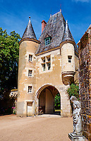 France, Cher (18), Berry, château de la Verrerie, porche d'entrée, route Jacques Coeur // France, Cher (18), Berry, the Jacques Coeur road, entrance porch, chateau de la Verrerie castle