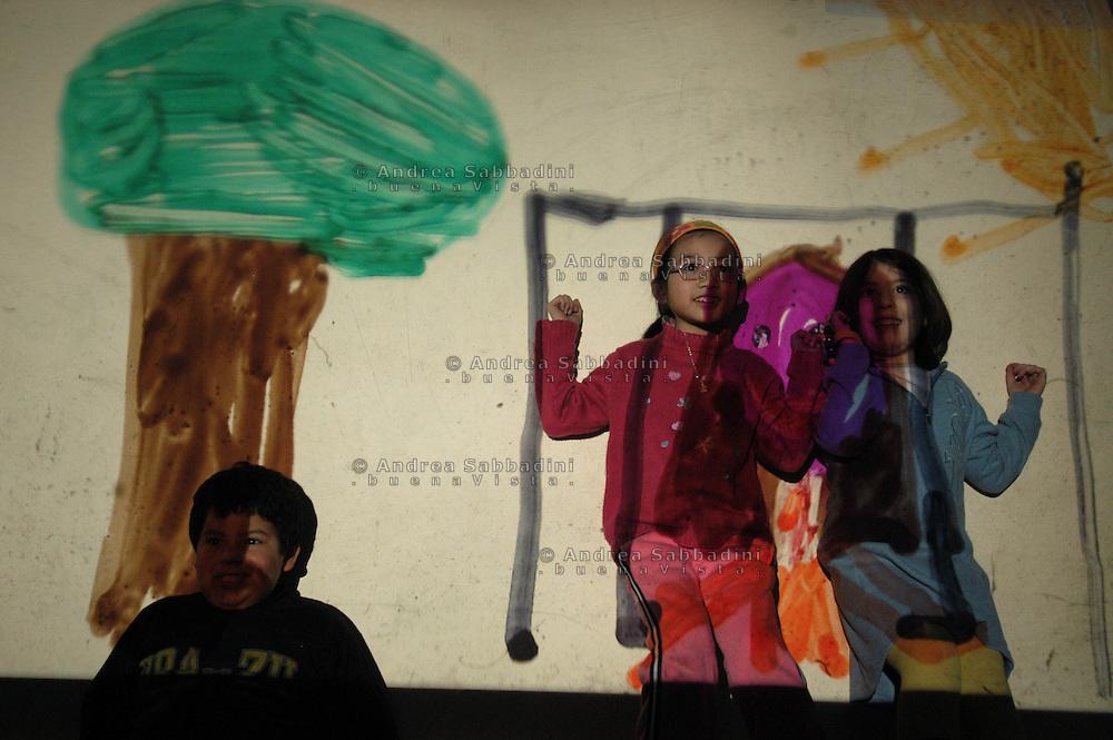 Roma, 18/02/2005: Scuola elementare &quot;Di Donato&quot; - Primary school.<br /> &copy;Andrea Sabbadini