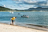 Praia de Ponta das Canas. Florianópolis, Santa Catarina, Brazil. / <br /> Ponta das Canas Beach. Florianopolis, Santa Catarina, Brazil.