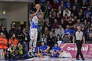 DESCRIZIONE : Beko Legabasket Serie A 2015- 2016 Dinamo Banco di Sardegna Sassari - Openjobmetis Varese<br /> GIOCATORE : Brenton Petway<br /> CATEGORIA : Tiro Tre Punti Three Point Controcampo<br /> SQUADRA : Dinamo Banco di Sardegna Sassari<br /> EVENTO : Beko Legabasket Serie A 2015-2016<br /> GARA : Dinamo Banco di Sardegna Sassari - Openjobmetis Varese<br /> DATA : 07/02/2016<br /> SPORT : Pallacanestro <br /> AUTORE : Agenzia Ciamillo-Castoria/L.Canu