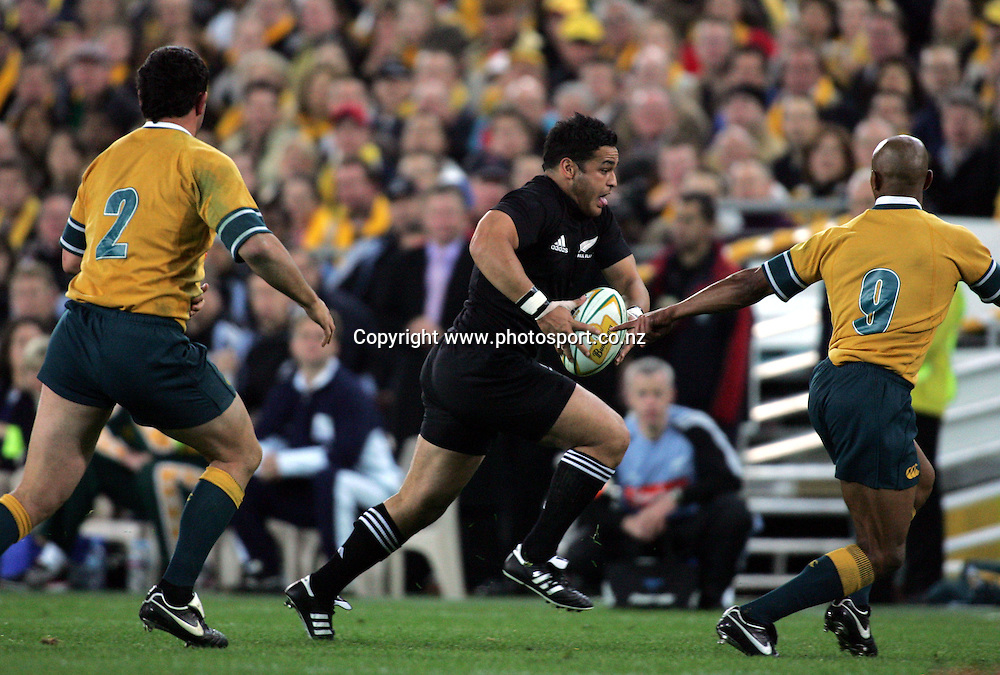 Piri Weepu during the Bledisloe Cup match between the All Blacks and the Wallabies at Telstra Stadium, Sydney, Australia on Saturday 13 August, 2005. The All Blacks won the match 30 - 13. Photo: Hannah Johnston/PHOTOSPORT<br /><br /><br /><br /><br />131695