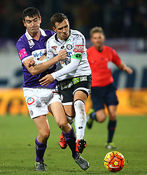 02.12.2015, Generali Arena, Wien, AUT, 1. FBL, FK Austria Wien vs SK Puntigamer Sturm Graz, 18. Runde, im Bild Vanche Shikov (FK Austria Wien) und Daniel Offenbacher (SK Puntigamer Sturm Graz) // during Austrian Football Bundesliga Match, 18th Round, between FK Austria Vienna and SK Puntigamer Sturm Graz at the Generali Arena, Vienna, Austria on 2015/12/02. EXPA Pictures © 2015, PhotoCredit: EXPA/ Thomas Haumer