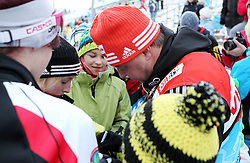 31.12.2011, DKB-Ski-ARENA, Oberhof, GER, Viessmann Tour de Ski 2011, FIS Langlauf Weltcup, Verfolgung Herren, im Bild Bundestrainer Jochen Behle (GER) gibt Fans Autogramme // during men's pursuitof Viessmann Tour de Ski 2011 FIS World Cup Cross Country at DKB-SKI-Arena Oberhof, Germany on 2011/12/31. EXPA Pictures © 2011, PhotoCredit: EXPA/ nph/ Hessland..***** ATTENTION - OUT OF GER, CRO *****