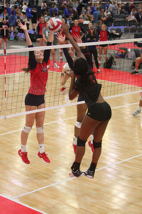 GJNC - July 2018 - Detroit, MI - 16 Open - Elite (black) - AVC (red) - Photo by Wally Nell/Volleyball USA