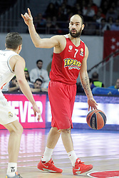 28.01.2016, Palacio de los Deportes, Madrid, ESP, FIBA, EL, Real Madrid vs Olympiacos PiraeusPlayoff, 5. Spiel, im Bild Olympimpiacos Piraeus' Vassilis Spanoulis // during the 5th Playoff match of the Turkish Airlines Basketball Euroleague between Real Madrid and Olympiacos Piraeus at the Palacio de los Deportes in Madrid, Spain on 2016/01/28. EXPA Pictures © 2016, PhotoCredit: EXPA/ Alterphotos/ Acero<br /> <br /> *****ATTENTION - OUT of ESP, SUI*****