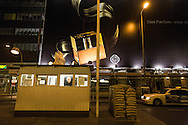 Germany. Berlin. Check point CHARLIE. former border beetween east and west germany.  Mitte  area  / Check point CHARLIE. ancien point de passage entre l EST et l OUEST. quartier de Mitte   Berlin - Allemagne / BERLIN142