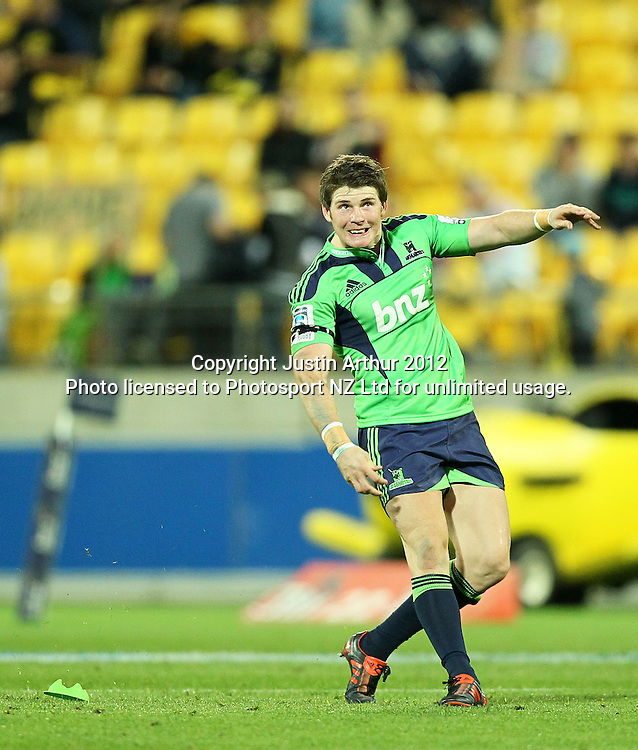 Highlanders' Colin Slade watches his kick during the 2012 Super Rugby season, Hurricanes v Highlanders at Westpac Stadium, Wellington, New Zealand on Saturday 17 March 2012. Photo: Justin Arthur / Photosport.co.nz