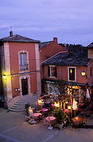 France, Provence, Vaucluse, Roussillon // France, Provence, Vaucluse, Roussillon village